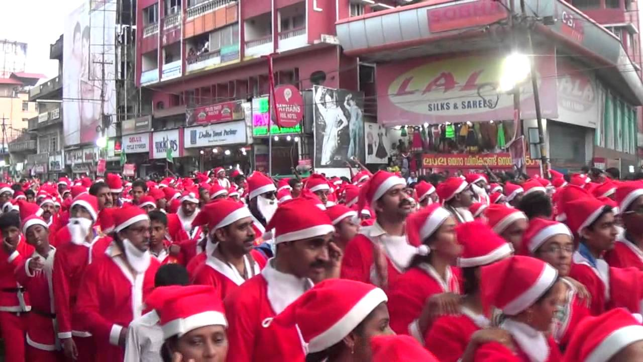 Buon Natale Thrissur.Thrissur Buon Natale 2014 Santa Claus Parade Guinness World Record