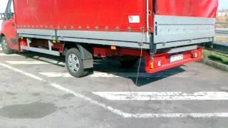 Praca kierowcy busa.Parking Shella w Barcelonie przy AP7,auta czekające na zlecenia