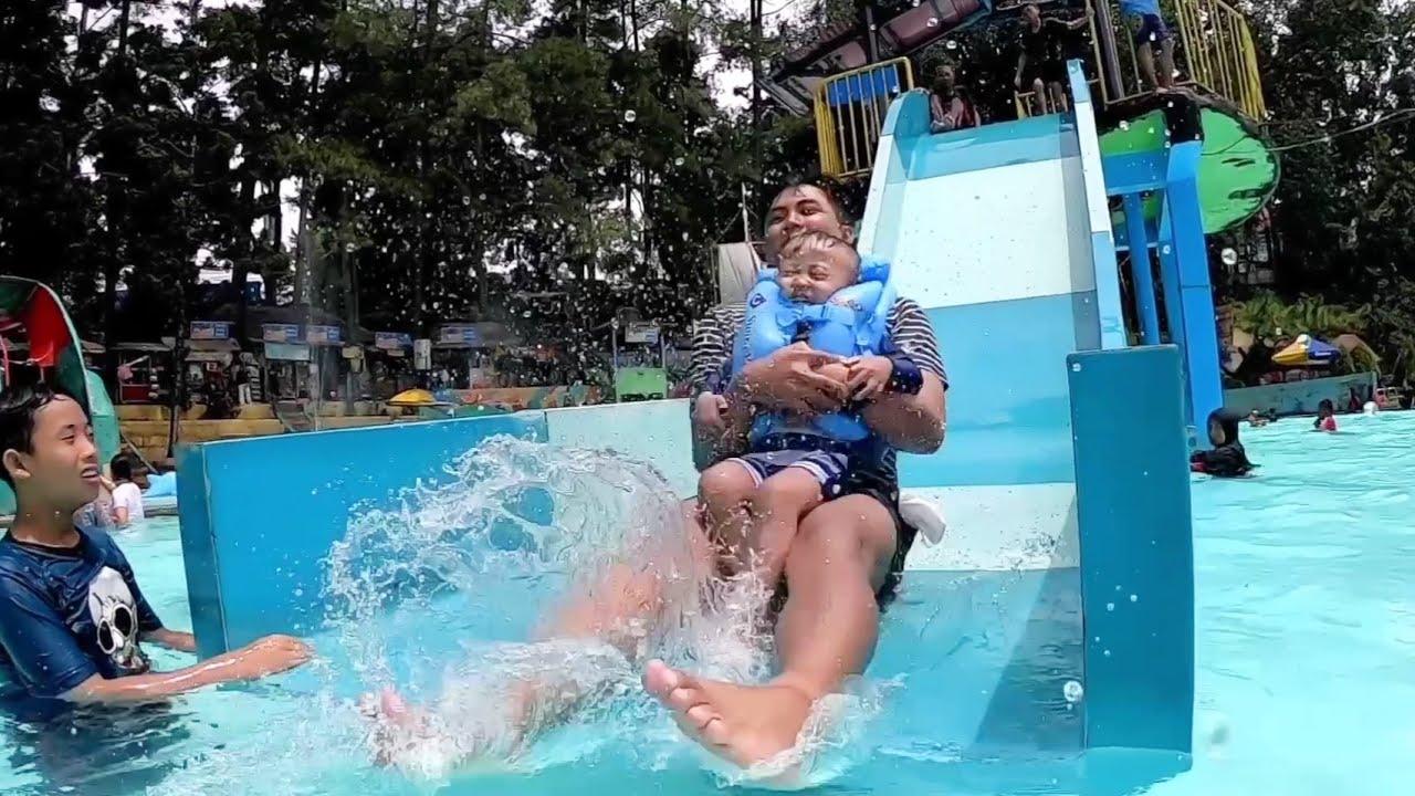 WOW Abidzar Naik Perosotan Untuk Dewasa Main Perosotan Di Waterboom Karang Setra Bandung