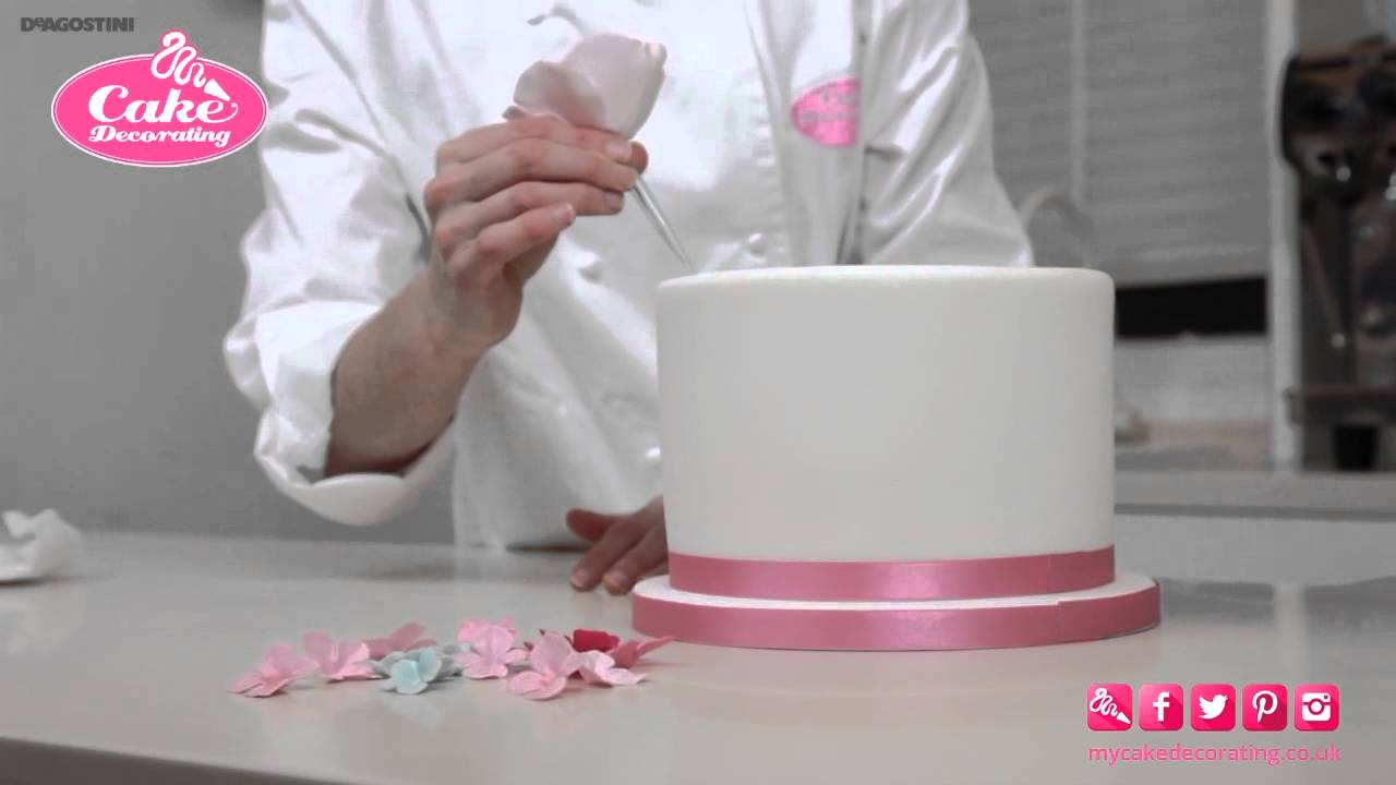 what do you use to stick fondant to cake