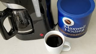 Coffee brewing with Maxwell House