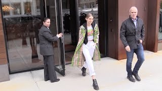 Gigi Hadid leaving her appartment in New York City