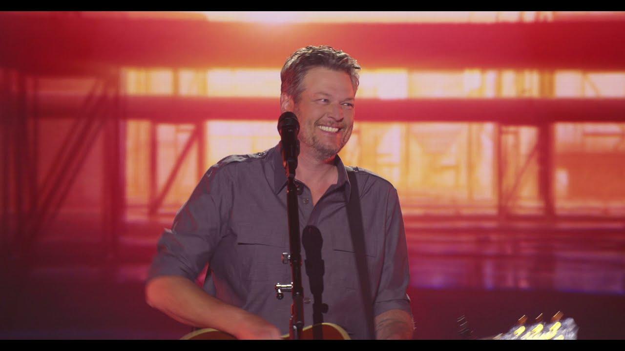Blake Shelton - Minimum Wage (The Kelly Clarkson Show Performance)