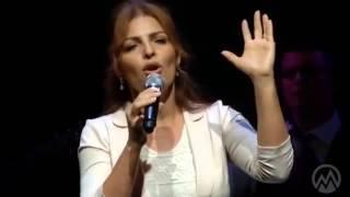 Ana Lydia - Está Cayendo su Gloria Sobre Mí