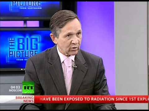Thom Hartmann: Dennis Kucinich on Economic Democracy and Bradley Manning