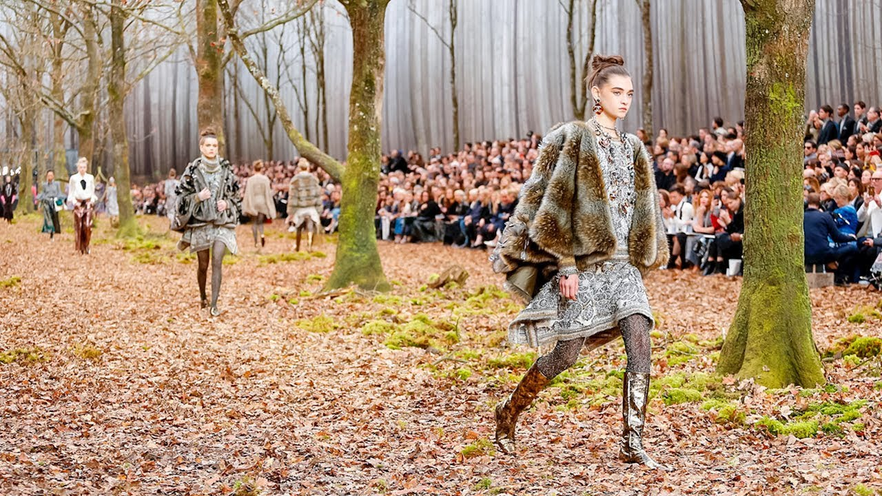 Chanel Fall Winter 2018 2019 Full Fashion Show Exclusive Youtube