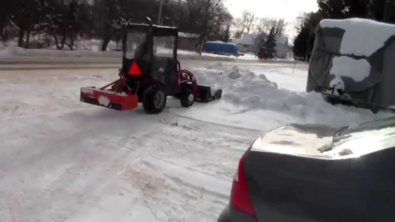 Plowing Snow With New Mahindra Emax22 Youtube