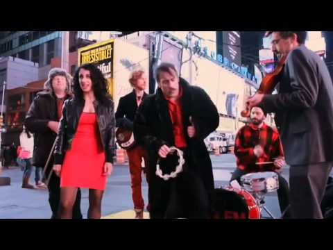 Ukrainian Music in New York: Jewish Rock group performs famous Ukrainian song on Times Square
