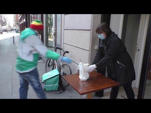Coronavirus, pizze e sushi a domicilio: così i ristoranti di Milano non si fermano