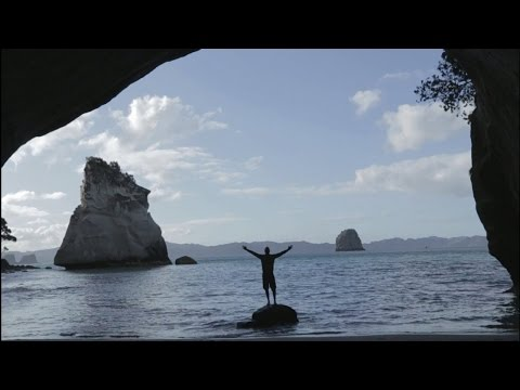NZ Bus Adventures - Hot Water Beach & Cathedral Cove | Kiwi Experience [Official Video]