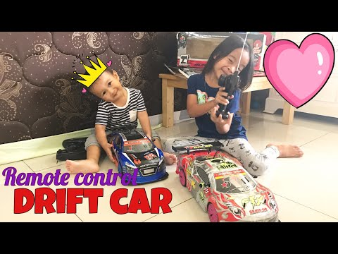 Seruuu !!! Zara & Kenzo Main Mobil Remote Anti Penyok 😄 Review Racing Drift Car Toys