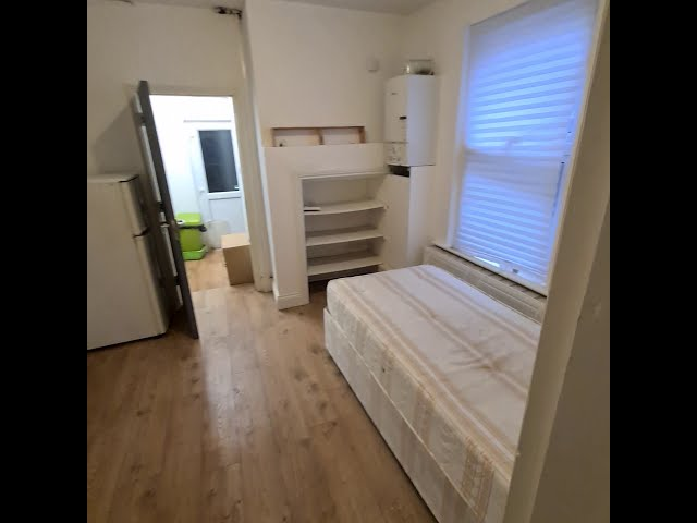 Lovely studio with separate kitchen and Bathroom Main Photo