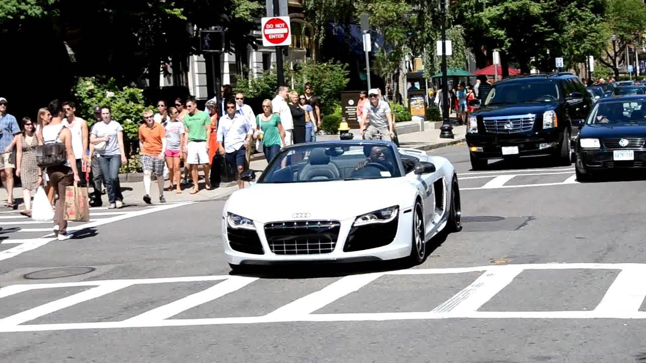 R8 V10 Spyder car
