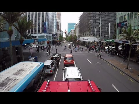 Geoff's Streetview : Queen St  Auckland CBD  South to North
