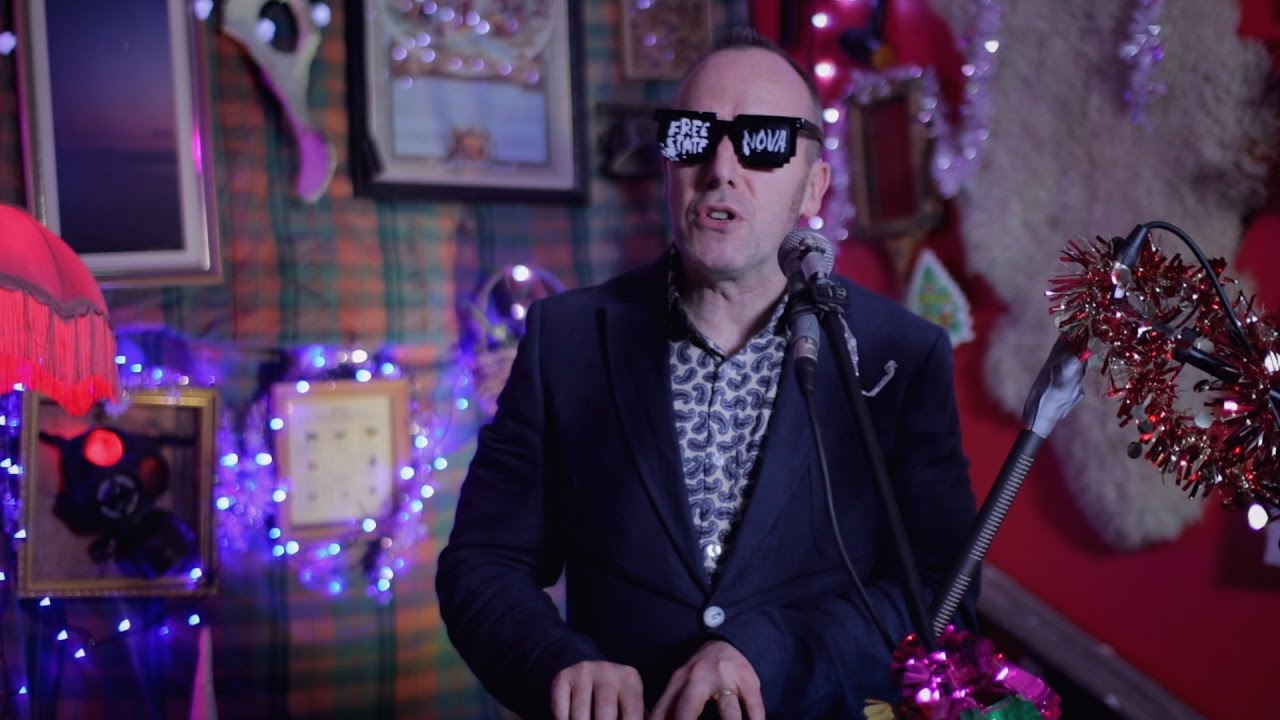 Jinx Lennon Don T Lose A Stone For Christmas On Castletown Rd