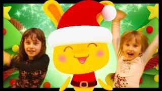 Danse des Titounis avec STUDIO BUBBLE TEA version Noël avec Kalys et Athena pour les enfants thumbnail