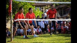 Gălăgie mare și emoții! Vedetele de la Asia Express joacă sportul tradițional cu mingea din Laos