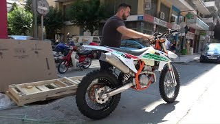 unboxing the 2021 KTM 350EXC enduro motorcycle