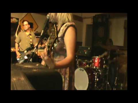 The Heroine Whores - Green (live, Aberdeen)