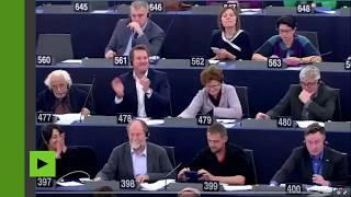 L'UE interdit la pêche électrique : Yannick Jadot exécute une danse de la joie au parlement