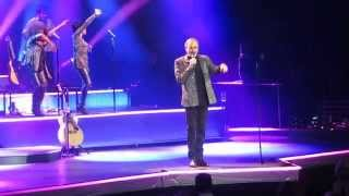 "Neil Diamond, ""Sweet Caroline"", Verizon Center, Wash., D.C., April 4, 2015"