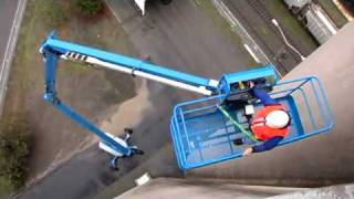 Product Application: Genie Z™-135/70 Articulating Boom - ANSI