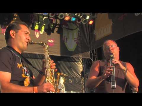 Besh o droM feat. Szalóki Ági, Juhász Miczura Mónika Live @ Sziget 2012 [Full Concert]