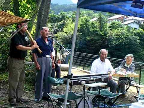 Baisho Sensei and a Man from Nanmoku Village play traditional Japanese shakuhachi songs