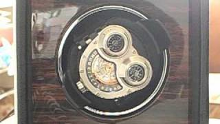 how a watch winder works