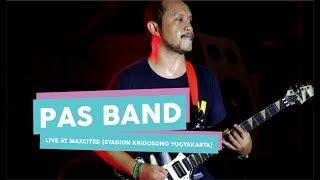 Gambar cover [HD] Pas Band - Jengah (Live at MAXCITED , Yogyakarta 2017)