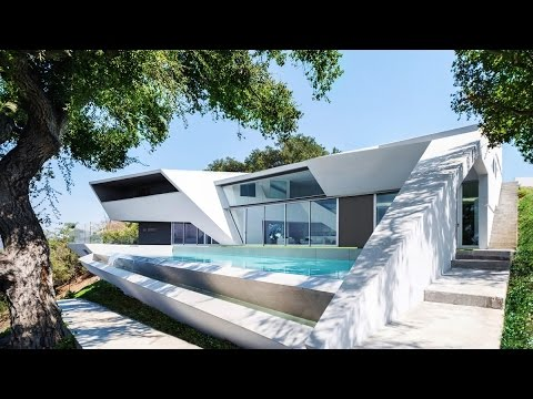 Awarded Unusual Geometry Luxury Residence in Hollywood Hills, LA, USA (by Arshia Architects)