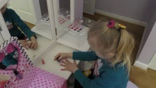 Набор косметики БАРБИ. Beauty Train Case Barbie.(Открываем набор косметики для детей Барби. We enjoy playing with Beauty Train Case Barbie. Let's play with us. Пожалуйста, оставляйте..., 2016-04-21T00:41:45.000Z)