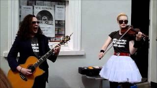 Miles Hunt & Erica Nockalls (The Wonder Stuff) - Blackberry Way