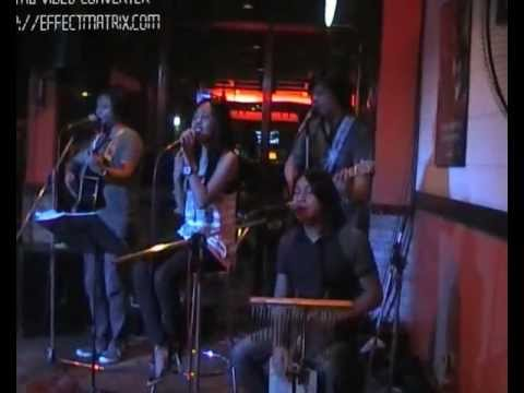 nive  lives  acoustic band - your body is wonderland @ Big mikes Grill by: moskiton