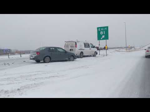 10 car pile up accident 35w Northbound in Lakeville Minnesota 1/26/19 11am off mcstop on black ice