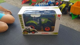 Zabawki Toys Claas Axion 870 RC czy sprzęt Bruder pasuje?:) Does Bruder equipment fit? :)