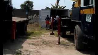 Разгрузка оборудования для кирпича г.Лагос (Нигерия)(Разгрузка линий для производства гиперпрессованого кирпича на базе пресса СППК-70 в городе Лагос (Нигерия)..., 2014-06-27T17:42:14.000Z)