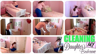 CLEAN WITH ME! | SPEED CLEANING MY DAUGHTER'S ROOM | CLEANING MOTIVATION | STAY AT HOME MOM ROUTINE