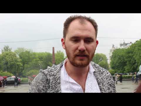 Погляд: У Чернівцях вібувся загальнообласний флешмоб «Вишиванка   одяг вільних»