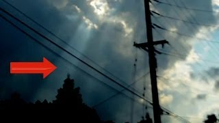 Breaking News UFO Sighting Mother Ship Portal Dimension Jump Caught On Video? 2014