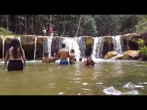 Cachoeira do Jarbas há 93 km de Manaus.