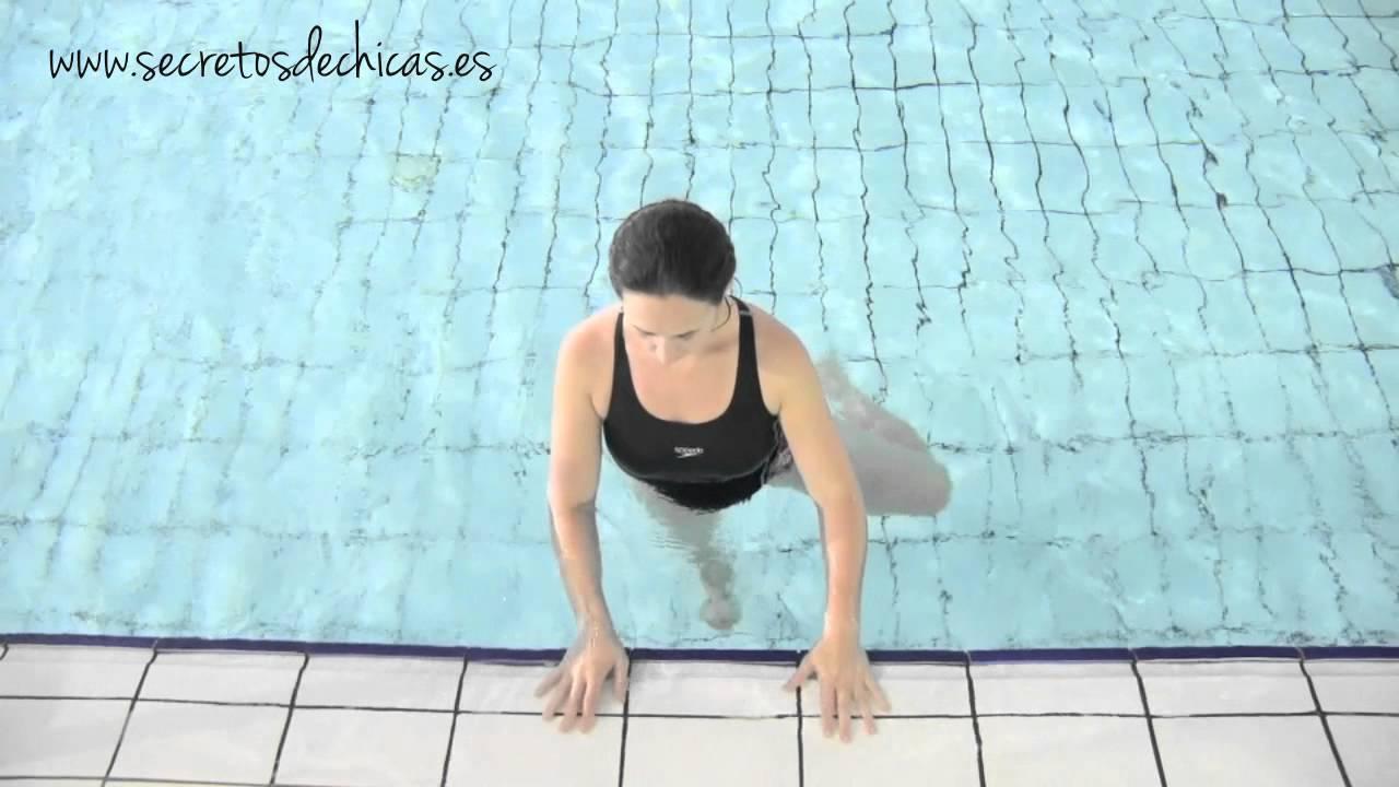 Ejercicios de piernas en el agua youtube for Ejercicios en la piscina