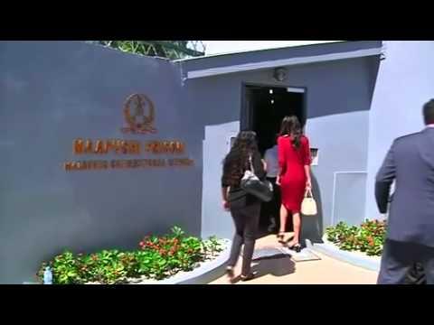 Amal Clooney visits ex-Maldives president in prison
