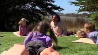 Йога для двоих видео(, 2015-12-12T14:21:22.000Z)