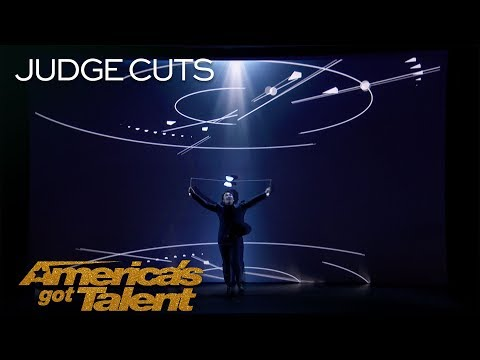 Mochi: Fantastic Diabolo Performer Interacts With Cool Projection - America's Got Talent 2018