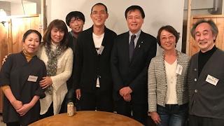 2017年1月29日に下北沢ダーウィンルームで開かれた、保坂展人 政...