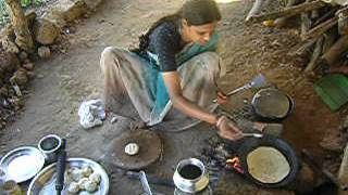 India Cooking Chapati Bread 2003