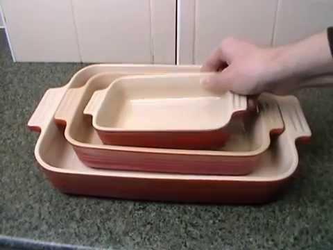le-creuset-stoneware-rectangular-dish-set-32cm,-26cm-&-18cm-cerise-close-look