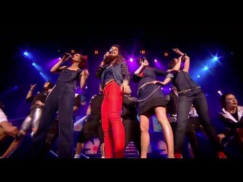 B*WITCHED SING 'C'EST LA VIE' LIVE - THE BIG REUNION