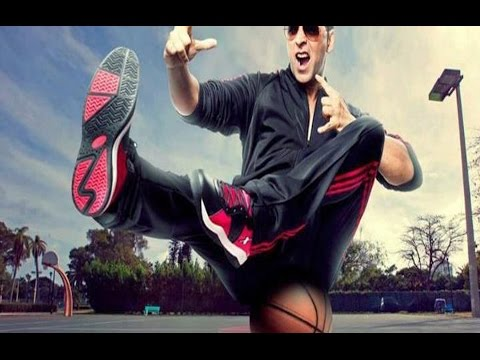 Akshay Kumar in Sparx commercial